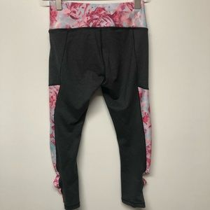 | CALIA | by Carrie Underwood leggings. Size XS.